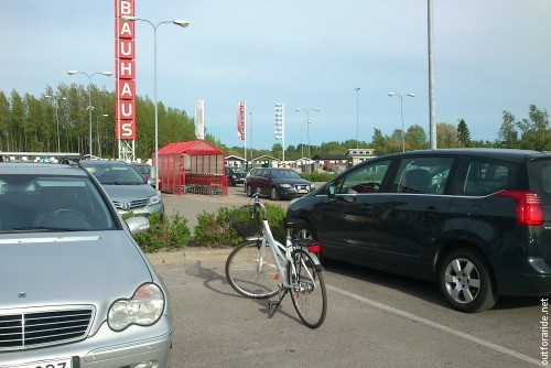Bold parking at Tammisto.